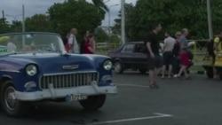 Les Cubains rendent hommage à Fidel Castro (vidéo)