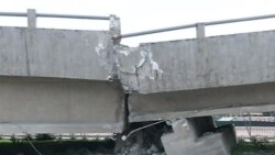 Una persona fallece en Guayaquil, aplastada por el puente de la Avenida de las Américas