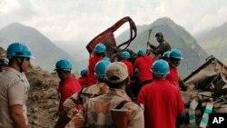 عملیات امداد و نجات پس از رانش زمین در هند