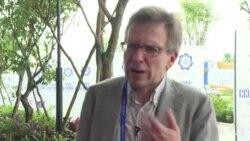 布雷默称习近平会乘虚而入主导贸易议程原声视频