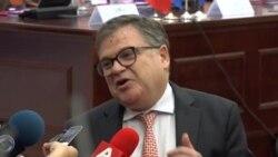 Поблаги тонови од Франција за датумот за преговори
