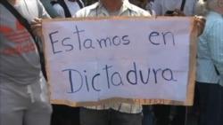 Opositores y chavistas en las calles de Caracas