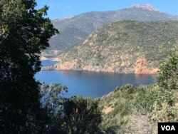 The coast near the western Corsican village of Girolata. (Lisa Bryant/VOA)