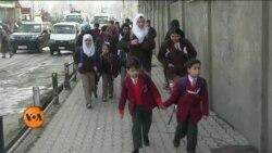بھارت کے زیرانتظام کشمیر میں تقریباً7ماہ بعد اسکول کھل گئے