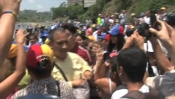 """Jesús """"Chino"""" Miranda se sumó a protesta opositora venezolana"""