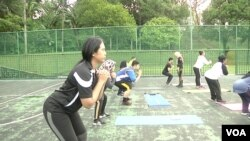 Every year thousands of Malaysians sign up for one of Jom Kurus' six-week fitness programs across the country. (David Grunebaum/VOA)