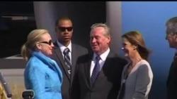 2012-11-13 美國之音視頻新聞: 希拉里克林頓抵澳洲出席防務峰會