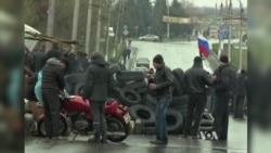 Pro-Russian Protestors Dig In as Ukraine Deadline Looms