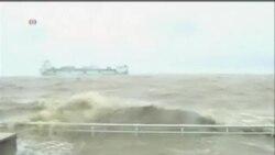"""颱風""""天兔""""侵襲中國南部致25人死亡"""