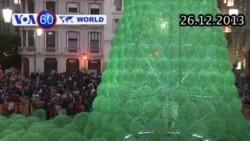 Cây Giáng sinh được làm bằng 50.000 chai nhựa
