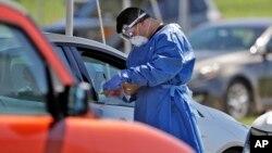 Testiranje na koronavirus u Sarasoti, na Floridi (Foto: AP)