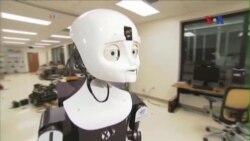 Các nhà khoa học sáng chế robot xã hội tương tác với con người