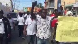 Ayiti: Manifestasyon an Favè Polis Nasyonal la/Etazini: Ansyen Avoka Prezidan Trump la Akize l nan yon Entèvyou