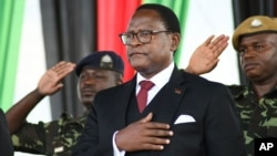 Lazarus Chakwera toma posse como Presidente do Malawi, 28 junho 2020