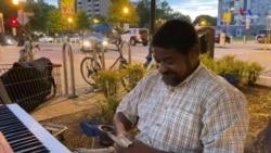 13 երեխաների հայրը վաստակում է փողոցում նվագելով