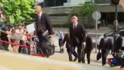 被控毆打抗議者的七名香港警察受審