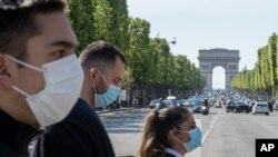 Đại lộ Champs Elysees tại Paris, ngày 16/5/020, sau khi Pháp dần dần dỡ bỏ lệnh đóng cửa vì Covid-19.