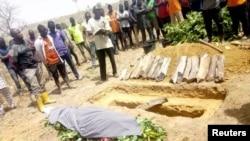 Funeral do estudante morto durante o ataque