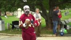 «Забіг мерців» - поєднав святкування Гелловіну, фізичні вправи та збір коштів на потреби цвинтаря. Відео