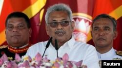 2019年 11月18日,斯里蘭卡當選總統戈塔巴耶-拉賈帕克薩在阿努拉德普勒舉行的宣誓就職儀式上對全國發表講話。