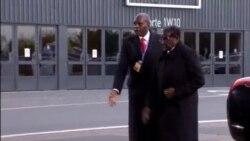 VaRobert Mugabe Vanochingamidzwa neMutungamiri weFrance, VaFrancois Hollande, muParis kuFrance