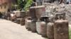 Fila de bombonas de gas ante la escasez en Venezuela. Agosto 2020. Foto: Captura de Video