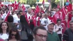 İstanbul'da Yüzlerce Kişi 19 Mayıs İçin Yürüdü