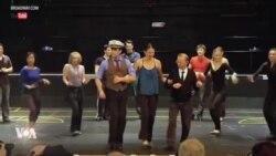 Théâtre: acteurs et metteurs en scène américains luttent à cause du coronavirus