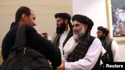 امریکہ اور طالبان کے درمیان امن معاہدے سے قبل طالبان وفد کے ارکان دوحہ میں دستخطوں کی تقریب کے لیے آ رہے ہیں۔ 29 فروری 2020