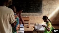 Uma assembleia de voto em Bangui
