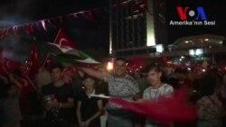 Sokaklara Dökülen Halka Suriyeliler'den Destek