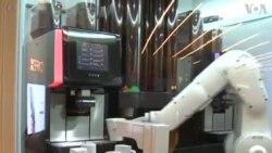 Робот служи кафе во Сан Франциско