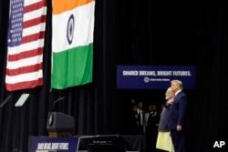 گزشتہ برس ہیوسٹن میں صدر ٹرمپ اور نریندر مودی نے مشترکہ طور پر اجتماع سے خطاب کیا تھا۔