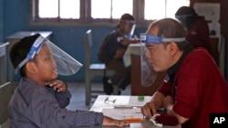 Keselamatan anak-anak harus tetap menjadi prioritas dengan dimulainya kembali pembelajaran tatap muka (foto: ilustrasi).