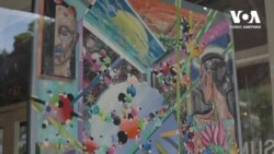 Мистецтво у вітринах: дві вчительки перетворили спорожніле через пандемію місто на велику галерею. Відео