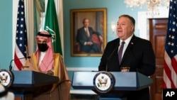 마이크 폼페오 미 국무장관이 14일 워싱턴을 방문한 사우디 외무장관 파이살 빈 파르한 왕자와 국무청사에서 회담을 가졌다.