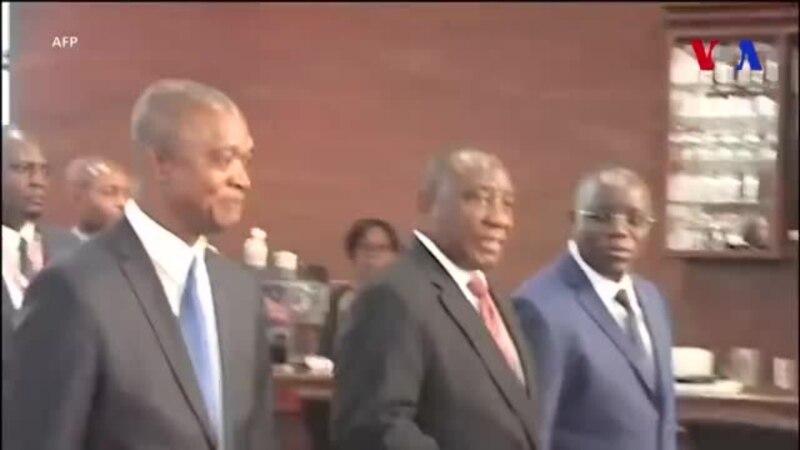 """Le président sud-africain Cyril Ramaphosa en """"visite de travail"""" à Kinshasa (vidéo)"""