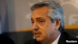 El presidente argentino, Alberto Fernández, insta a Irán y a EE.UU. a deponer el uso de la violencia.