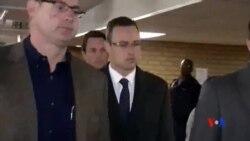 """2014-04-08 美國之音視頻新聞: 南非""""刀鋒跑者""""星期二繼續出庭作證"""