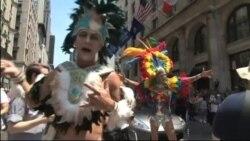 Прайд-парад в Нью-Йорке: солидарность с Орландо