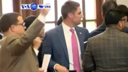VOA60 America - Lawmakers scuffle in the Texas House of Representatives