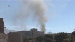 槍手和自殺炸彈手襲擊也門國防部