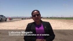 Viceministra salvadoreña visita centros de detención en Texas