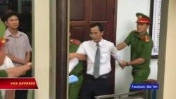 Luật sư bảo vệ ông Trần Vũ Hải bị lôi ra khỏi tòa