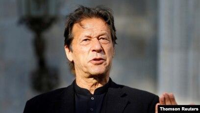 PM paquistanês testa positivo para a COVID-19