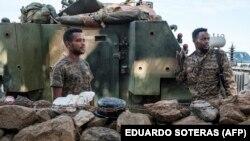 Tentara Ethiopia siaga di dekat wilayah Tigray, Ethiopia (foto: dok).