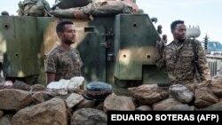 Dua tentara Ethiopia siaga di wilayah konflik (foto: dok).