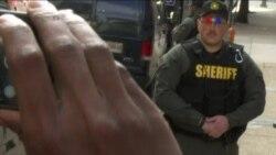 Absuelven a policía relacionado con muerte de Freddie Gray