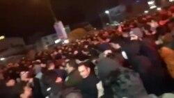 فریاد «مرگ بر دیکتاتور» مردم در نزدیکی فرمانداری شهر رشت