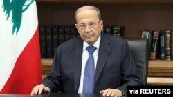 Presiden Lebanon Michel Aoun berbicara di Istana Baabda untuk menenangkan massa (24/10).